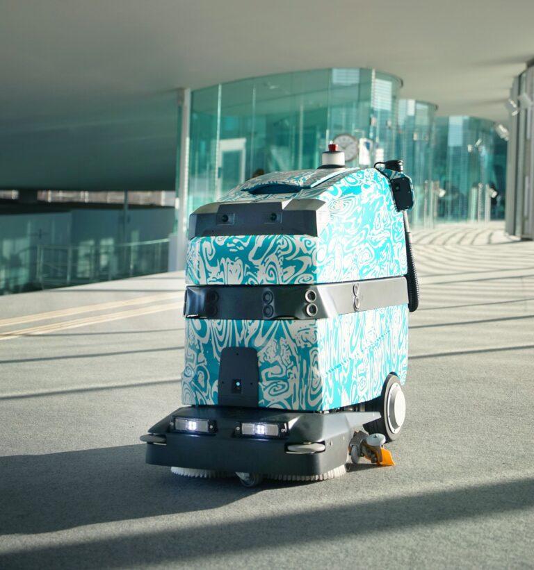 Dette bildet mangler alt-tekst; dets filnavn er Marvin_Wetrok-Reinigungsroboter-768x821-1.jpg